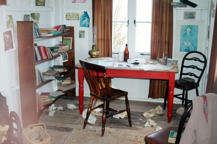 Dylan_Thomas's_study_Laugharne