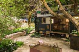 Gerettete Bäume im Garten der Poesie