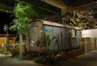 Ausgemusterter Bauwagen als Gartenhäuschen